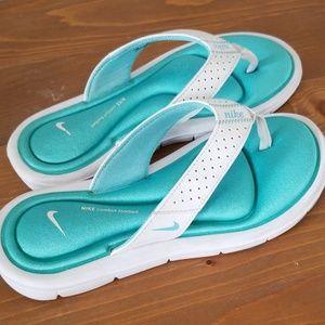 EUC Women's Nike Ultra Comfort Thong Sandals